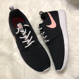 Women Nike Roshe one